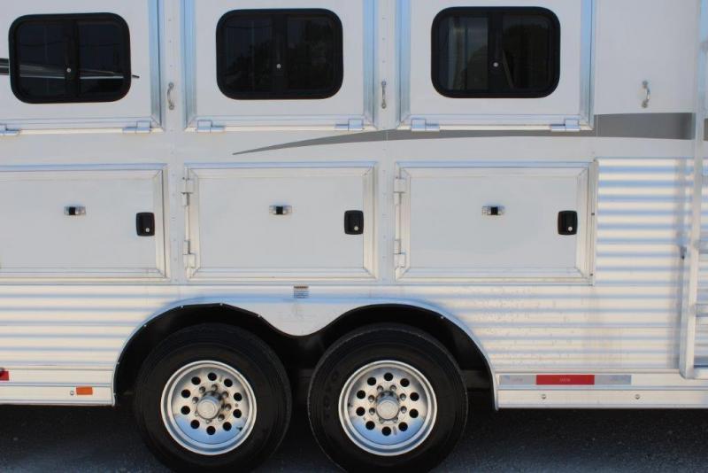 2016 Lakota Big Horn Horse Trailer