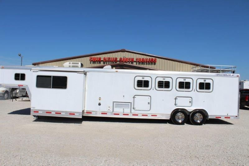 1997 Featherlite 4 horse with 13' LQ with MidTack