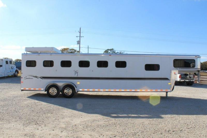 2000 Sundowner 6 horse slant Gn w/dressing room