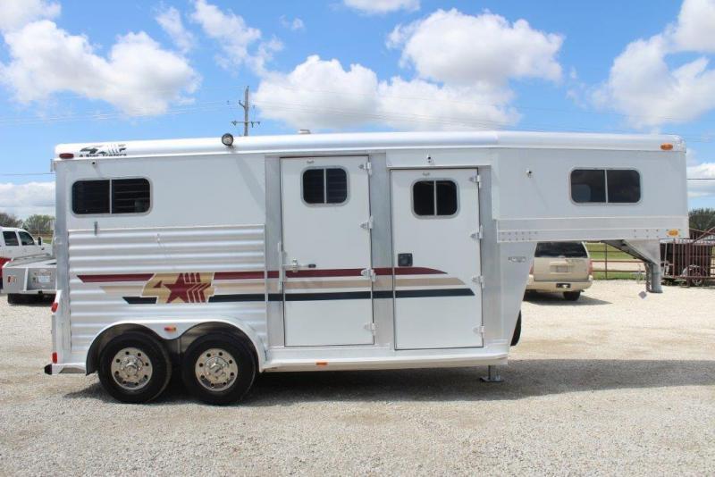 2001 4-Star 2 horse straight load gooseneck