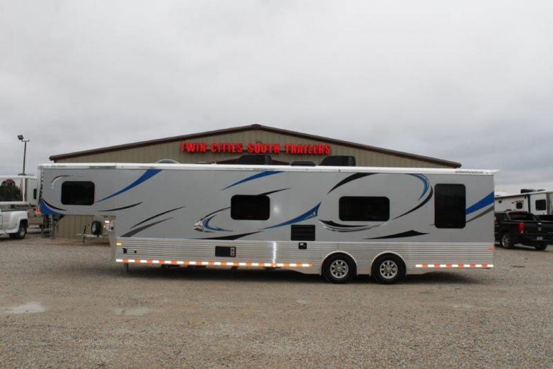 2019 Sundowner 31' Toy Hauler