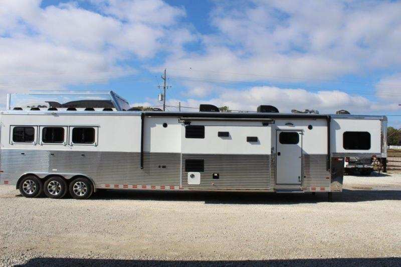 "2017 Sundowner 3 horse with 21'3"" LQ with double slides"