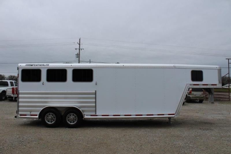 2019 Featherlite 3 horse slant gooseneck with dressing room