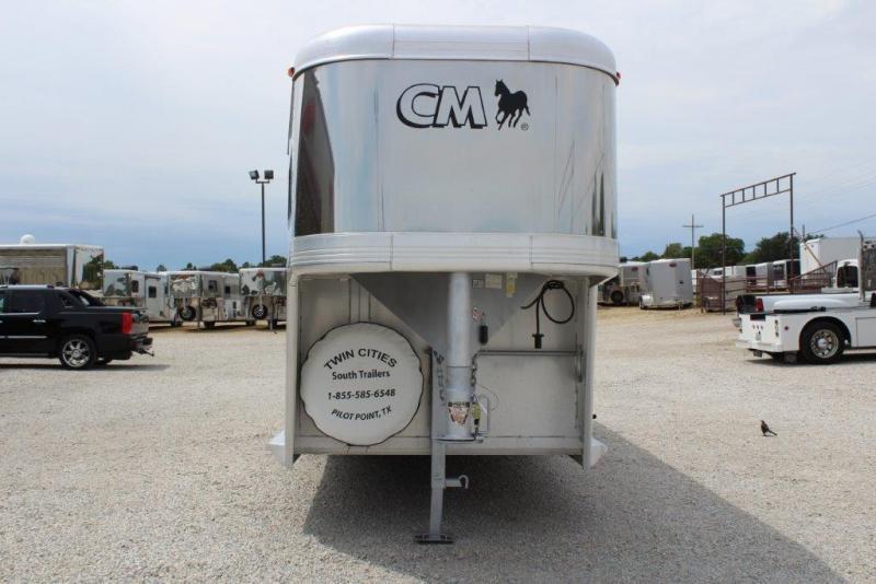 2003 CM 3 horse slant gooseneck