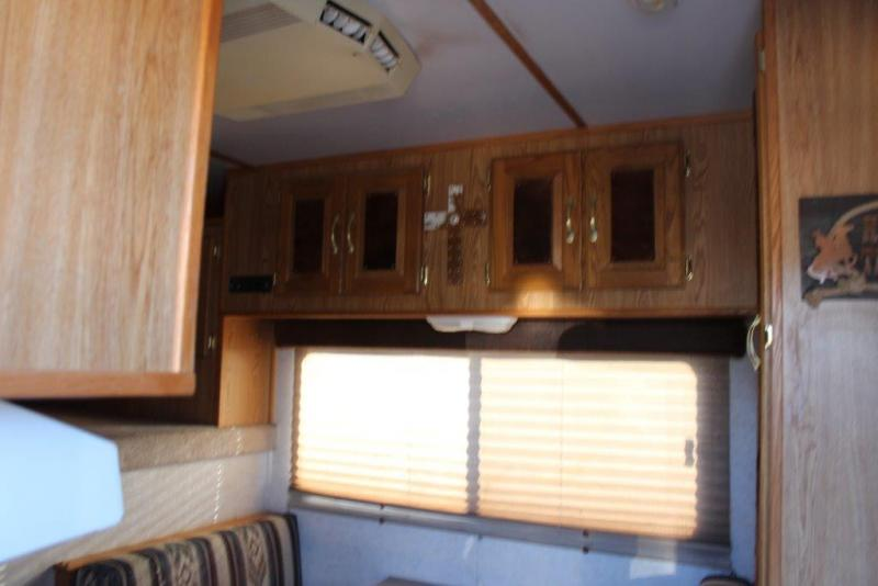 2000 Featherlite 4 horse with 10' Living Quarter