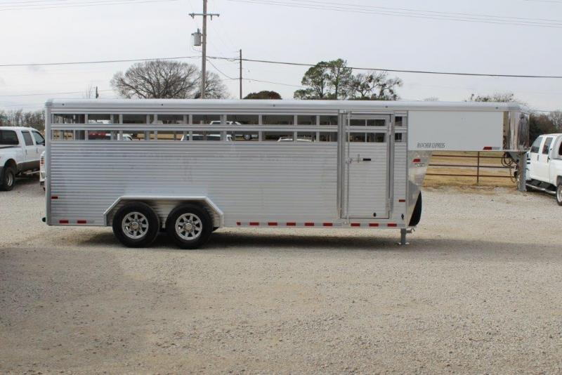 2019 Sundowner 20' stock trailer