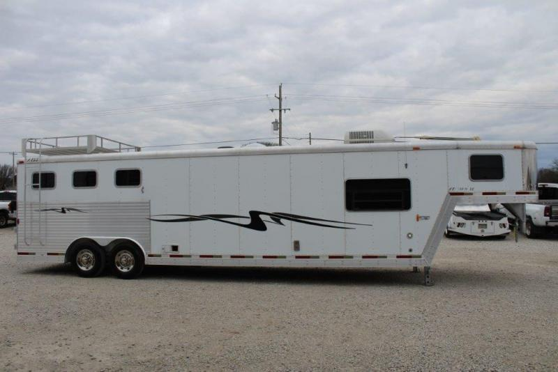 2003 Exiss 3 horse with 11 LQ and Midtack