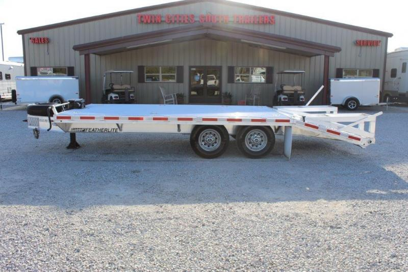2014 Featherlite Flatbed 1585 Flatbed Trailer in Ashburn, VA