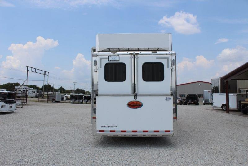 2017 Sundowner 4 horse with MidTack