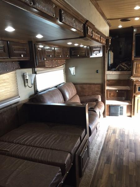 2018 Sundowner 3 horse with 19' LQ with Slide Out