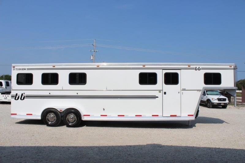 2011 Turnbow 3 horse slant gooseneck in Ashburn, VA