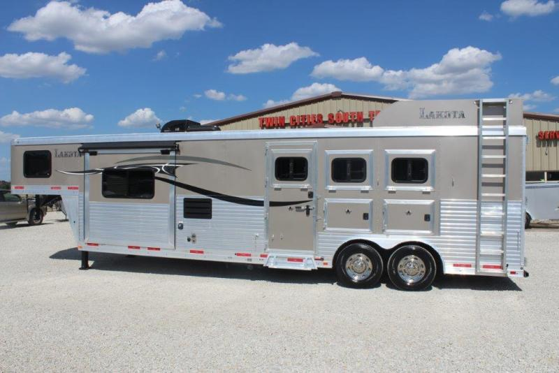 2015 Lakota Trailers Lakota Horse Trailer