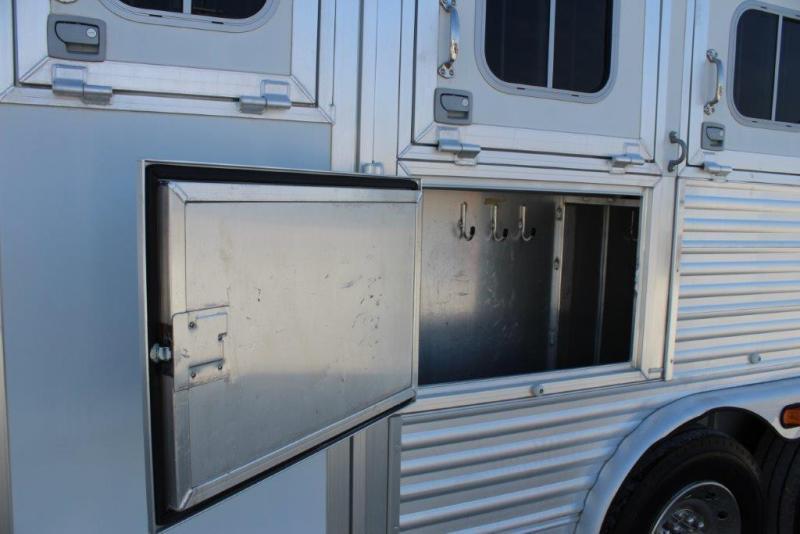 2006 Elite 4 horse with 17.5 Living Quarter
