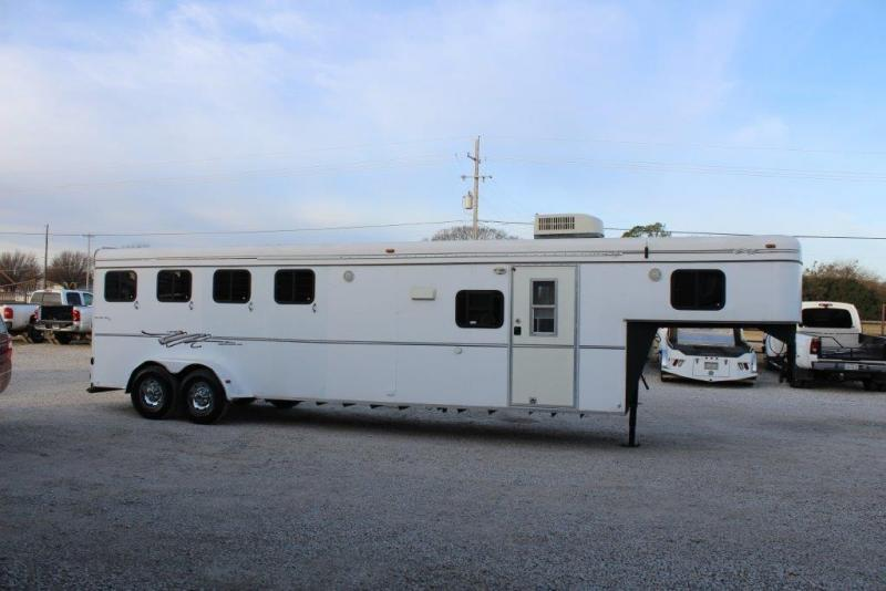 1999 Kiefer 4 horse with 9' Living Quarter