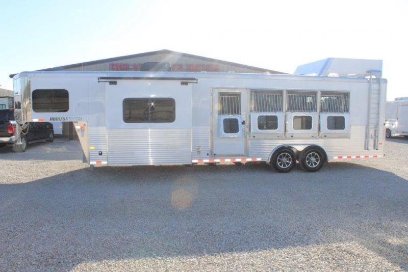 2018 Sundowner 4 horse with 10' Living Quarter
