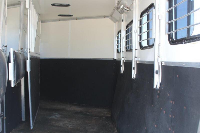 2002 Side Kick 4 horse with 8 LQ Horse Trailer