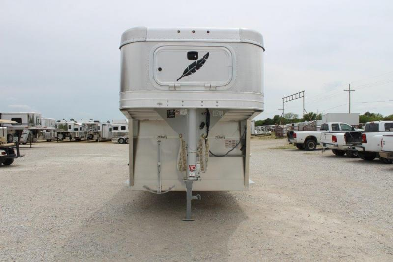 2018 Featherlite 8127 Livestock Trailer
