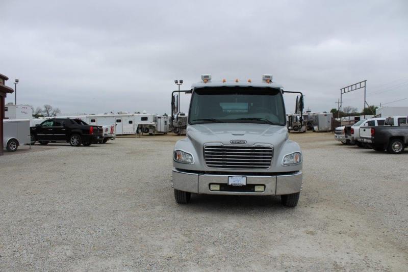 2006 Freightliner M2 106 Truck