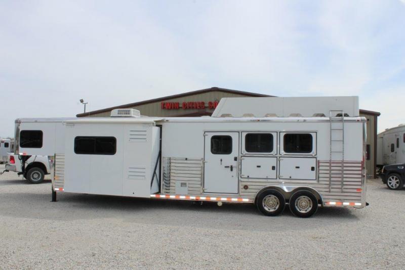 2013 Sundowner 3 horse with 16' Living Quarter