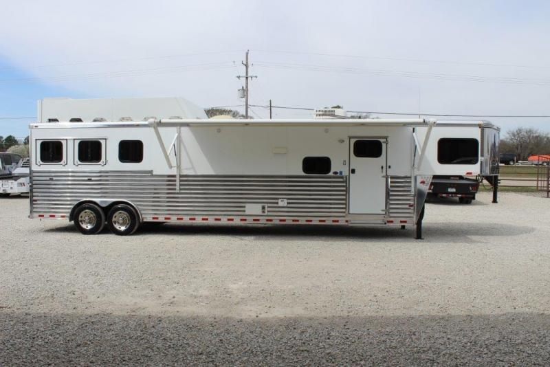 2013 Sundowner 3 horse with 16' Living Quarter
