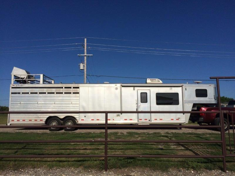 2007 Cherokee 4 Horse With 16 Living Quarter Utility
