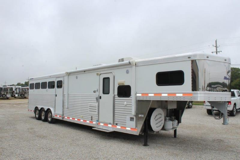 2012 Blue Ribbon 4 horse with 15' LQ w/Slide Out