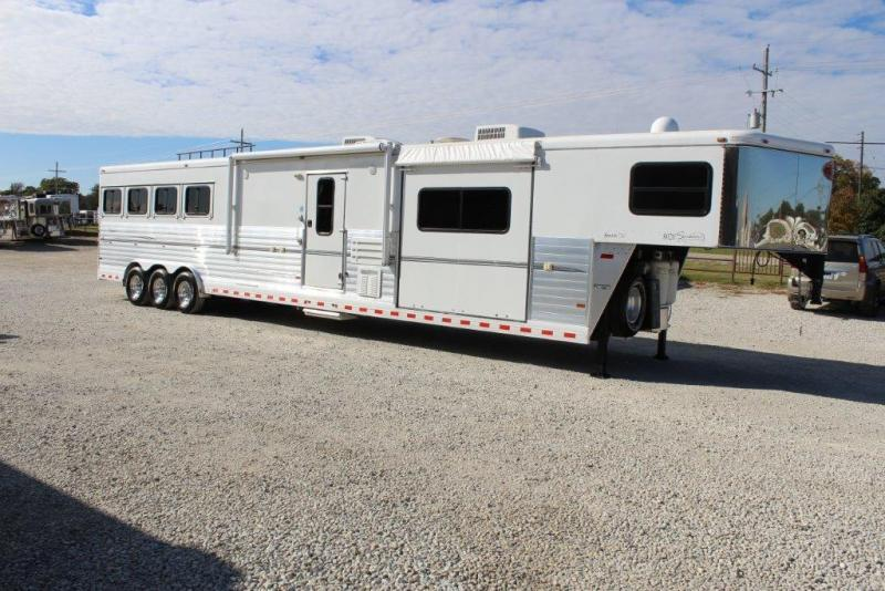 2008 Sundowner 4 horse with 20' LQ with Double Slides