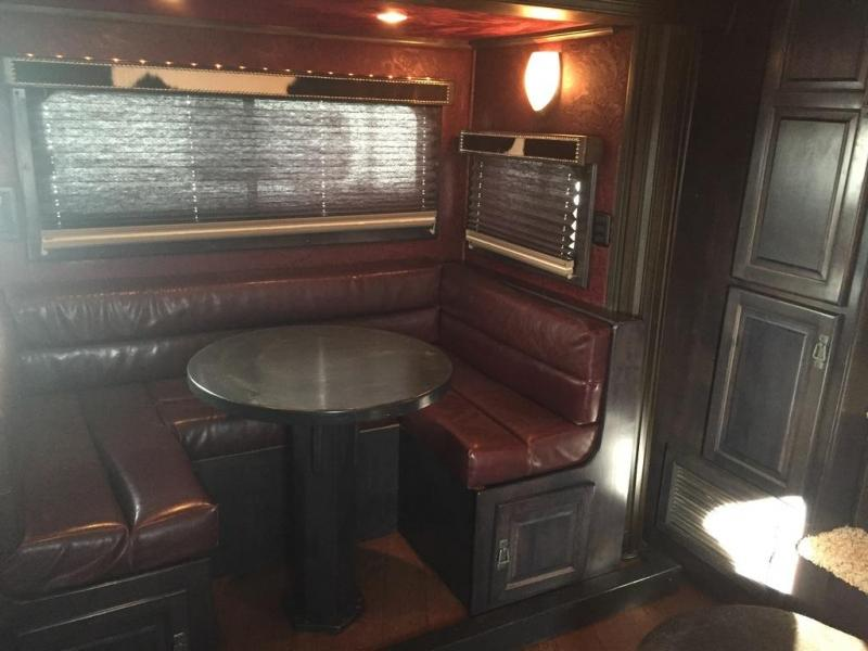 2009 Sundowner 4 horse with 18' LQ with Slide out