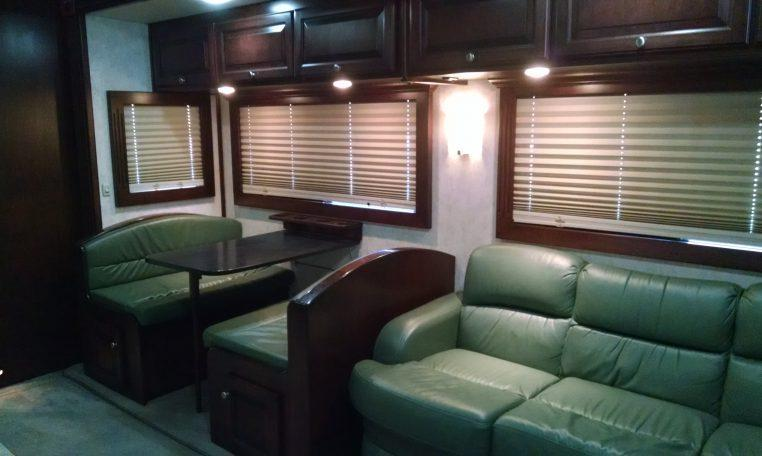 2007 Renegade 38' Motorcoach