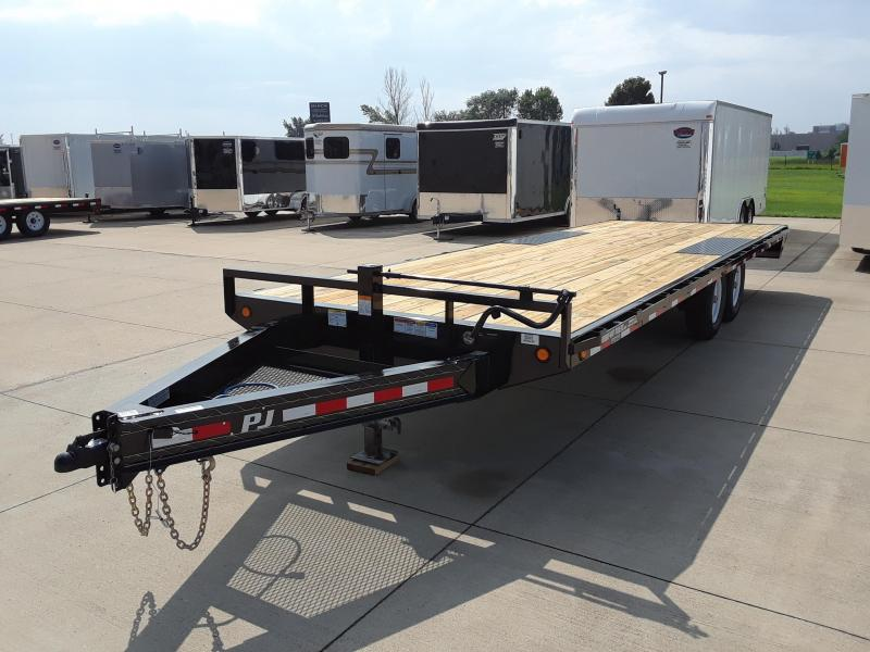 2019 PJ Trailers 24' Deckover Trailer in Dallas, WI