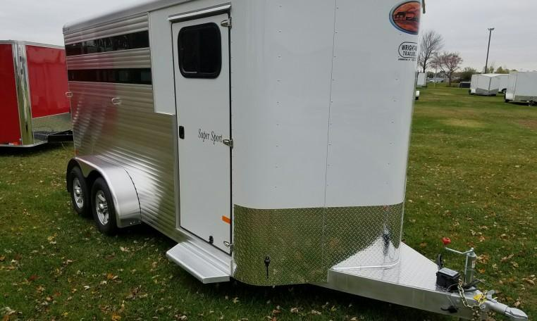 Sundowner Super Sport 3H BP Slant Horse Trailer