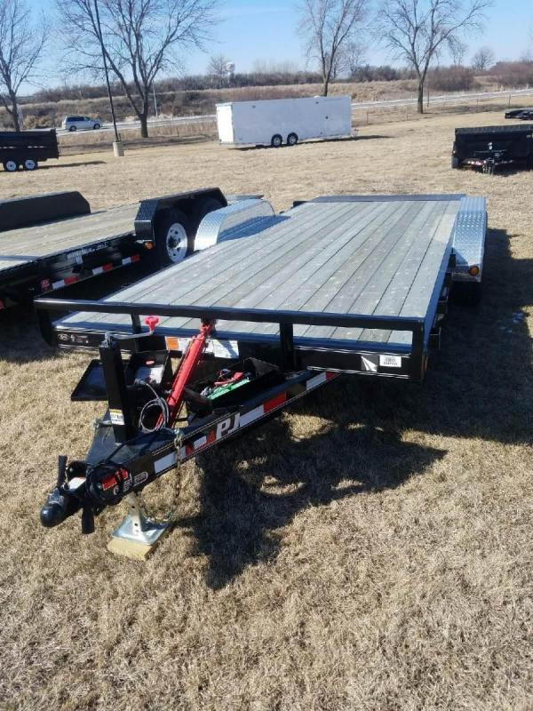 2017 PJ Trailers TH Equipment Trailer