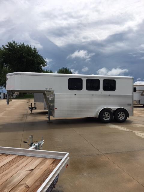 2019 Sundowner Super Sport 3 Horse Slant Gooseneck Trailer