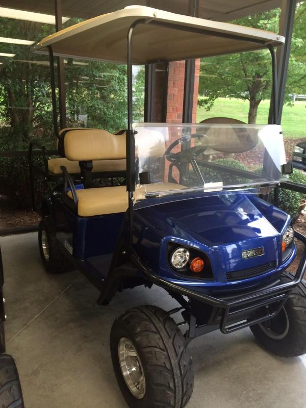 2018 E-Z-GO Express S4 (Gas) Golf Cart