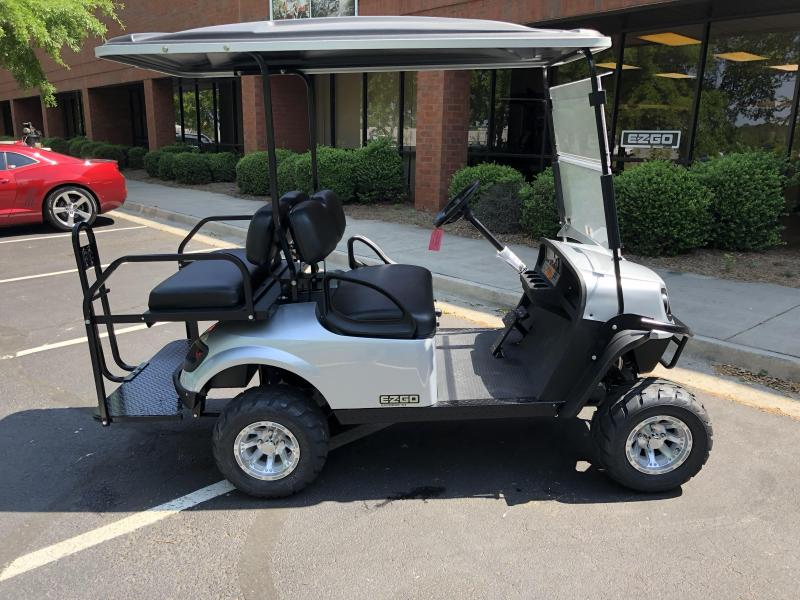 2019 E-Z-GO Express S4 (Gas) Golf Cart