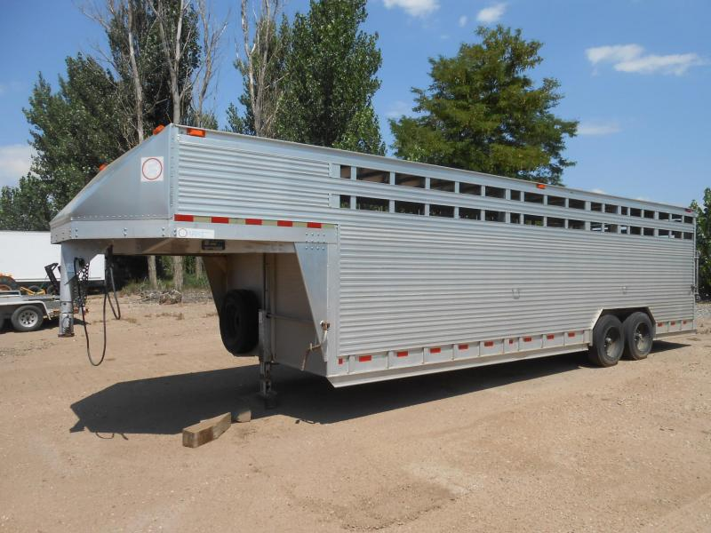 2000 Barrett Trailers 28FT Livestock Trailer in Ashburn, VA