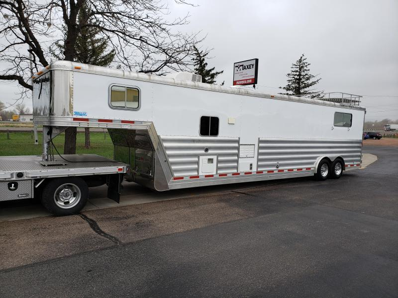 2006 Featherlite 3 Horse Straight Load/Cargo w 12ft Living Quarter Horse Trailer