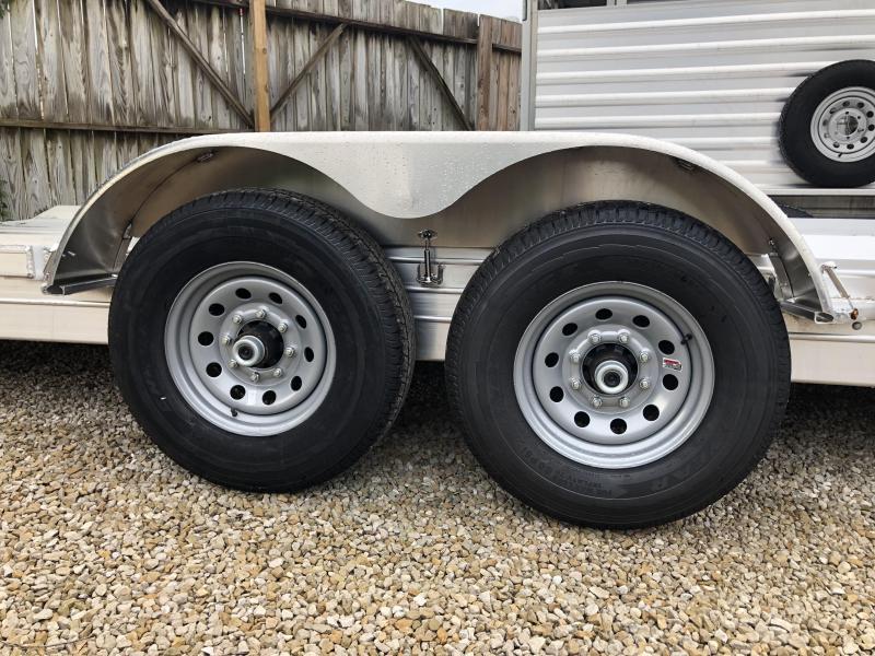 "2019 8.5""x24' 14K Featherlite Car Hualer. 149715"