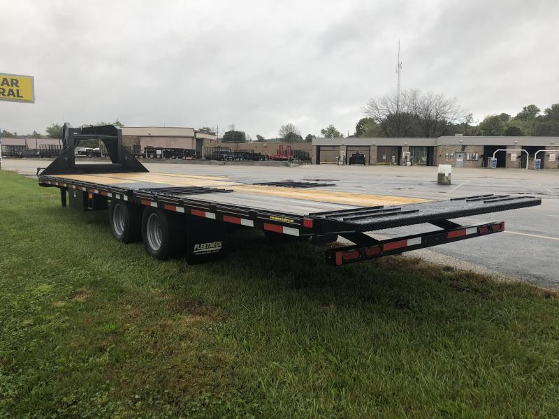 2019 30x102 25K Diamond C Equipment Trailer. 6389