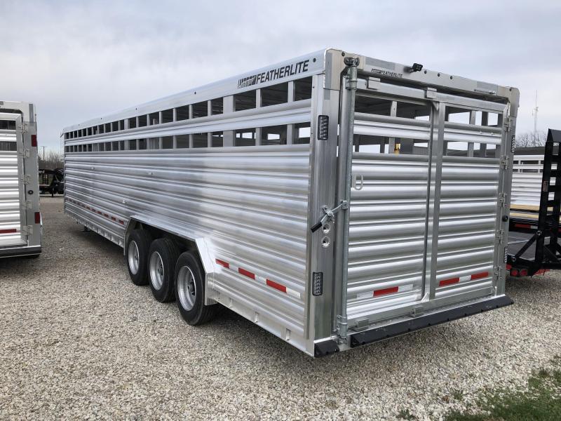 2017 8'x32' 21k Featherlite Livestock Trailer. 148860