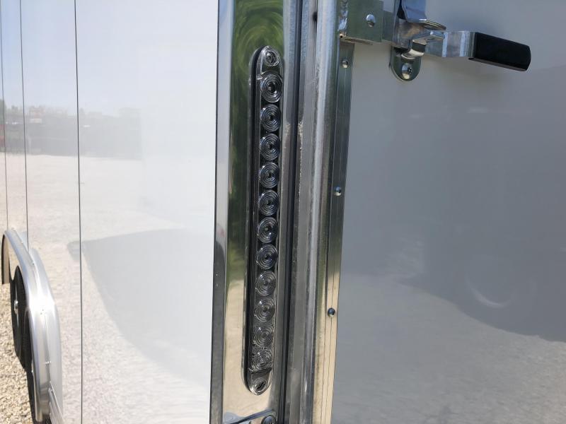 2018 20' 10.4k Featherlite Enclosed Car Trailer. 147712