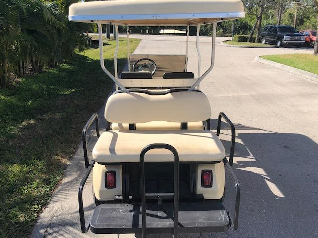 2004 Club Car VILLAGER 6