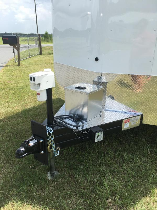 2019 Shadow Trailers Horse Trailer