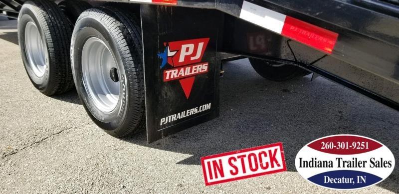 "2019 PJ Trailers FDR32 102""x32' Equipment Trailer"