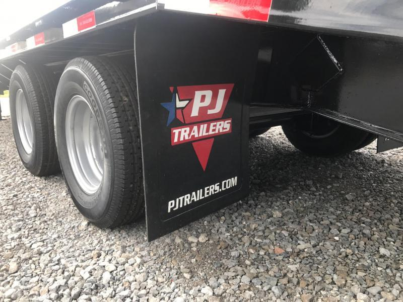 "2019 PJ Trailers FDR25 102""x25' Equipment Trailer"