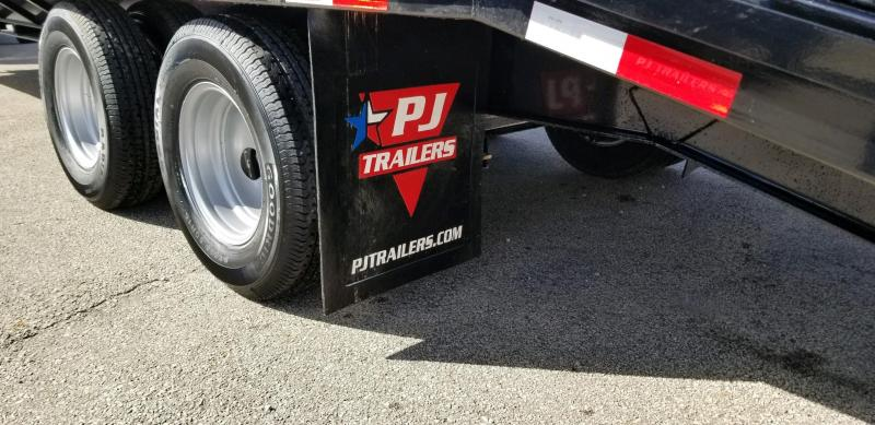 2019 PJ Trailers FD302 Equipment Trailer