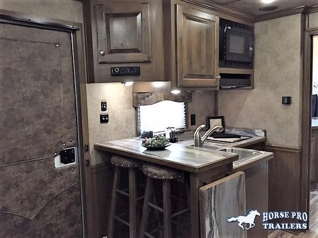 2018 Cimarron Norstar 3 Horse 12'6 Outback Living Quarters w/Slide Out