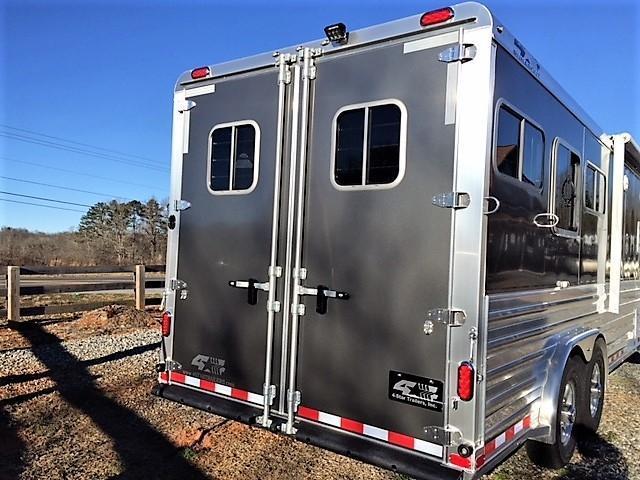"""2019 4-Star 3 Horse 10'6"""" Outback Living Quarters"""