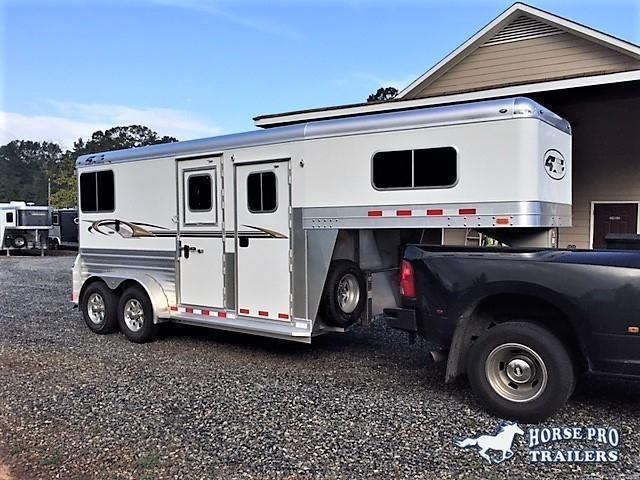2019 4-Star Deluxe 2 Horse Straight Load Gooseneck- WERM FLOORING! in Royston, GA