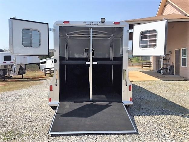 2019 4-Star Deluxe 2 Horse Straight Load Gooseneck- WERM FLOORING!